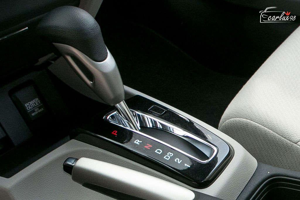 5 کاری که نباید در خودرو های دنده اتوماتیک انجام داد